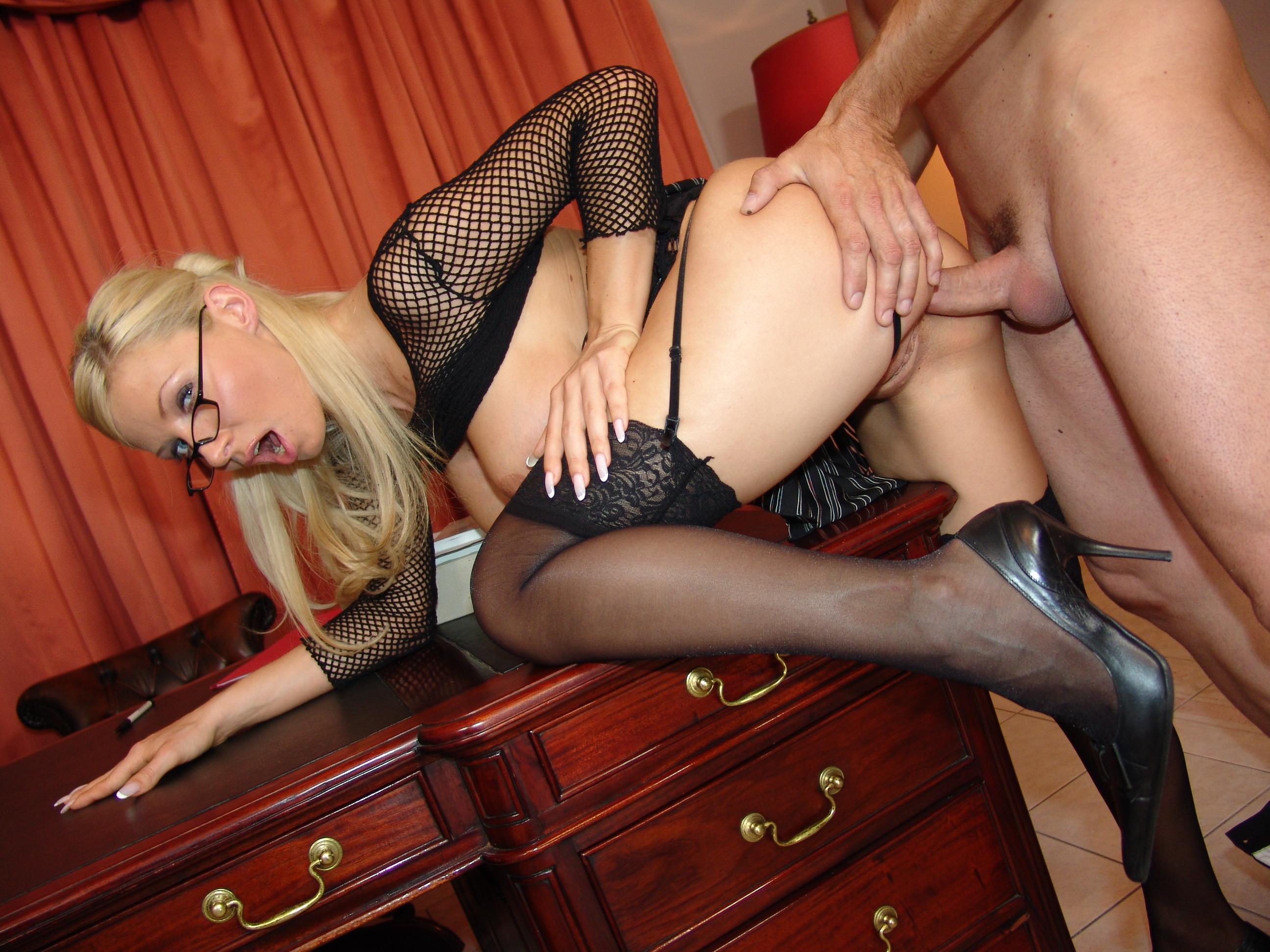 Бесплатное Порно Фото С Секретаршами